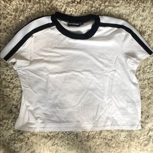 PrettyLittleThing cropped T-shirt